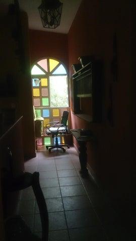 Casa Vargas>El Junquito-Vargas>La Niebla - Venta:25.000 Precio Referencial - codigo: 19-3755