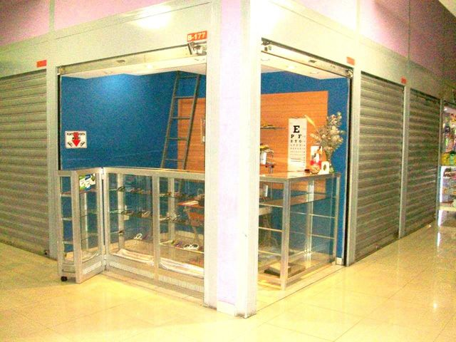 Local Comercial Aragua>Maracay>Avenida Bolivar - Venta:2.800 Precio Referencial - codigo: 19-3763