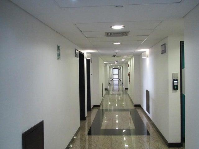Local Comercial Distrito Metropolitano>Caracas>La Lagunita Country Club - Venta:120.000 Precio Referencial - codigo: 19-3761