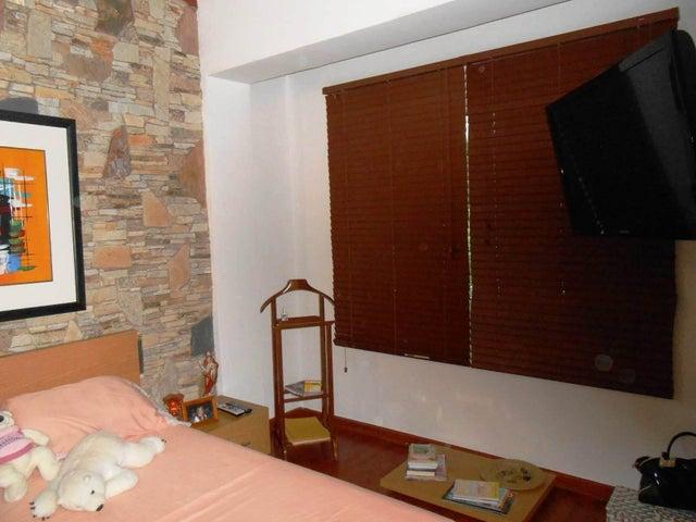 Townhouse Aragua>Maracay>Barrio Sucre - Venta:200.000 Precio Referencial - codigo: 19-3806