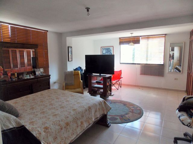 Apartamento Vargas>Parroquia Caraballeda>Los Corales - Venta:50.000 Precio Referencial - codigo: 19-3817