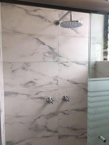 Apartamento Miranda>Higuerote>Agua Sal - Venta:23.000 Precio Referencial - codigo: 19-3825