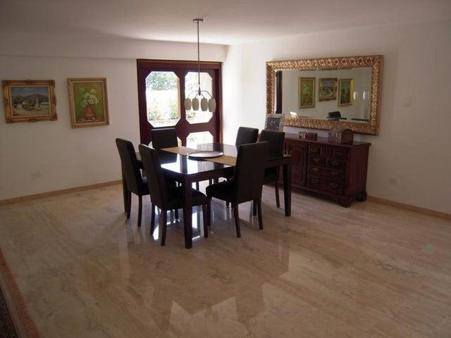 Casa Distrito Metropolitano>Caracas>La Lagunita Country Club - Venta:485.000 Precio Referencial - codigo: 19-3833