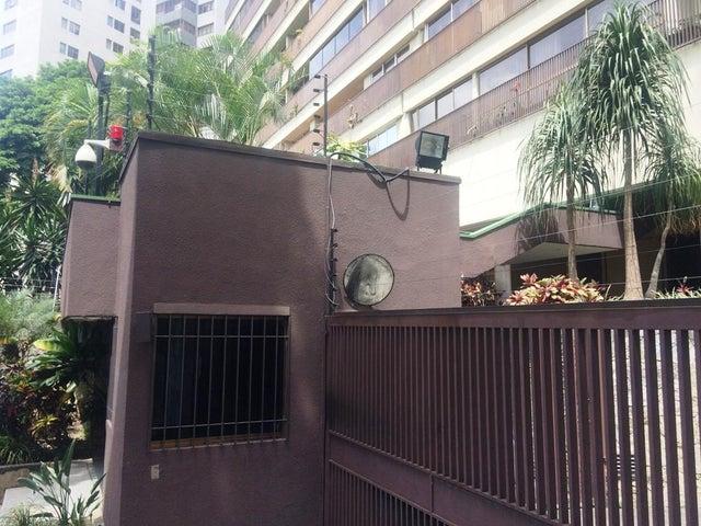 Apartamento Distrito Metropolitano>Caracas>Los Naranjos del Cafetal - Venta:136.000 Precio Referencial - codigo: 19-3920