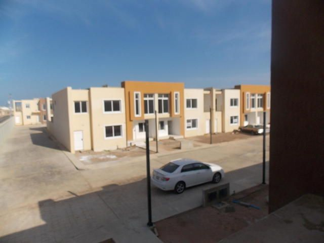 Townhouse Falcon>Punto Fijo>Puerta Maraven - Venta:55.000 Precio Referencial - codigo: 19-3922