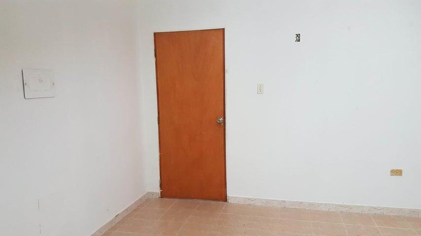Oficina Falcon>Coro>Centro - Venta:3.000 Precio Referencial - codigo: 19-3946