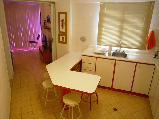 Apartamento Miranda>Higuerote>Agua Sal - Venta:14.000 Precio Referencial - codigo: 19-3956