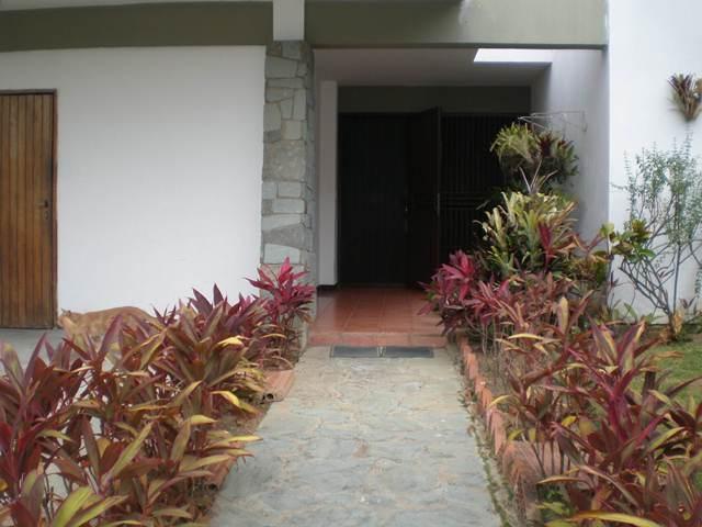 Casa Distrito Metropolitano>Caracas>Prados del Este - Venta:450.000 Precio Referencial - codigo: 19-3964