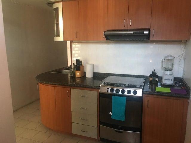 Apartamento Miranda>Guarenas>Nueva Casarapa - Venta:17.000 Precio Referencial - codigo: 19-3992