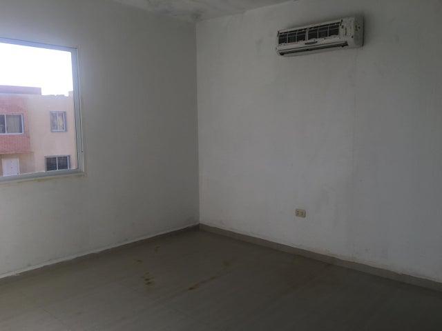 Townhouse Falcon>Punto Fijo>Puerta Maraven - Venta:35.000 Precio Referencial - codigo: 19-3998