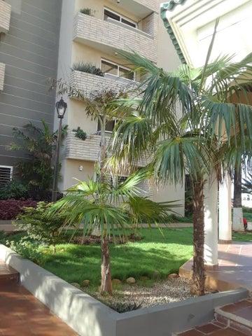Apartamento Zulia>Maracaibo>El Milagro Norte - Alquiler:200 Precio Referencial - codigo: 19-4035