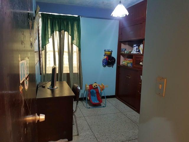 Apartamento Merida>Merida>Avenida Las Americas - Venta:26.000 Precio Referencial - codigo: 19-4050