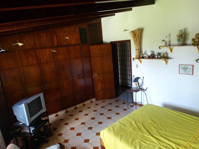 Casa Miranda>Carrizal>Llano Alto - Venta:250.000 Precio Referencial - codigo: 19-4094