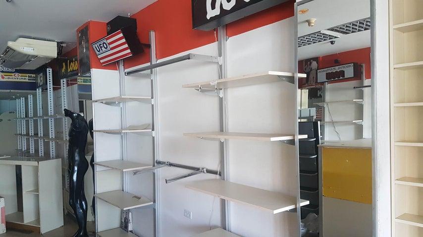 Local Comercial Falcon>Coro>Centro - Venta:95.000 Precio Referencial - codigo: 19-4116