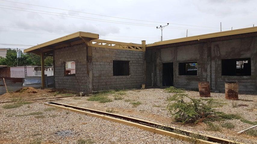 Edificio Falcon>Coro>Av Romulo Gallegos - Venta:120.000 Precio Referencial - codigo: 19-4119