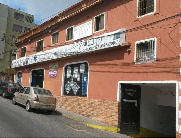 Casa Miranda>San Antonio de los Altos>Los Salias - Venta:680.000 Precio Referencial - codigo: 19-4131