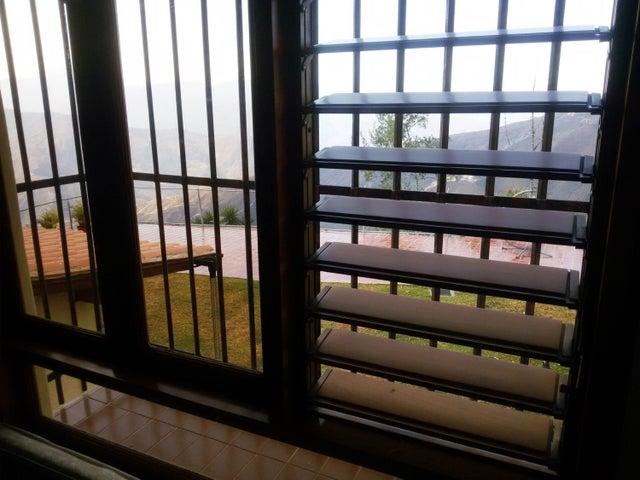 Casa Miranda>San Antonio de los Altos>Club de Campo - Venta:430.000 Precio Referencial - codigo: 19-4152