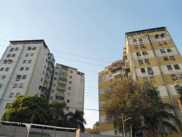 Apartamento Aragua>Turmero>Conjunto Residencial Costa del Sol - Venta:6.499 Precio Referencial - codigo: 19-4149