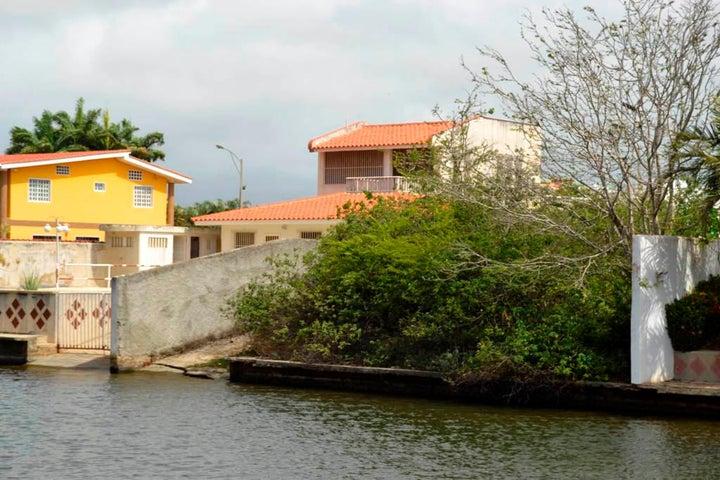 Terreno Miranda>Higuerote>Puerto Encantado - Venta:70.000 Precio Referencial - codigo: 19-4157