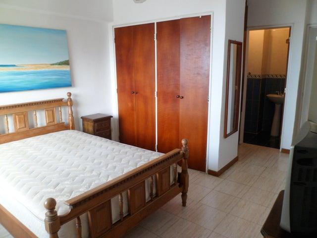 Apartamento Vargas>Parroquia Caraballeda>La Llanada - Venta:75.000 Precio Referencial - codigo: 19-4177
