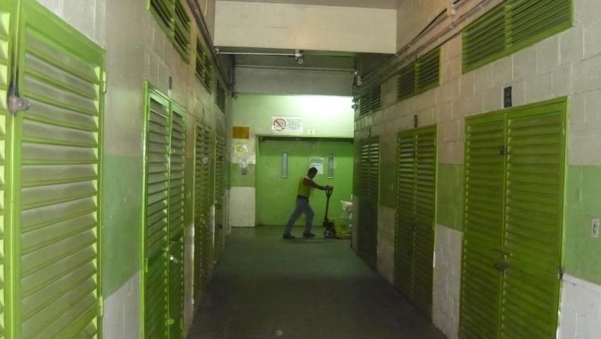 Local Comercial Distrito Metropolitano>Caracas>Los Cortijos de Lourdes - Venta:20.000 Precio Referencial - codigo: 19-4208