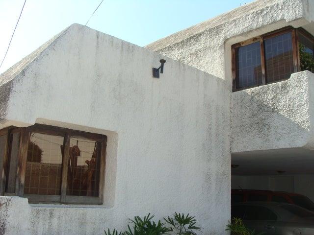 Casa Zulia>Maracaibo>La Lago - Venta:350.000 Precio Referencial - codigo: 19-4257