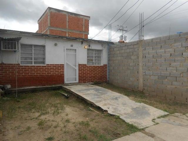 Casa Aragua>Palo Negro>San Antonio - Venta:3.700 Precio Referencial - codigo: 19-4261