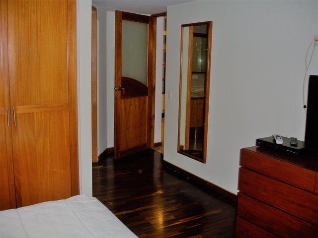 Apartamento Distrito Metropolitano>Caracas>La Alameda - Venta:200.000 Precio Referencial - codigo: 19-4275