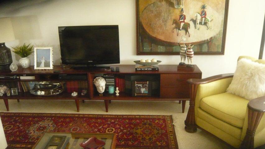 Apartamento Distrito Metropolitano>Caracas>Las Mercedes - Venta:240.000 Precio Referencial - codigo: 19-5254