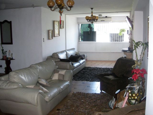 Apartamento Aragua>Maracay>Avenida Bolivar - Venta:16.000 Precio Referencial - codigo: 19-4318