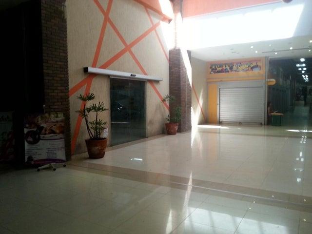 Local Comercial Zulia>Maracaibo>Centro - Venta:1.000 Precio Referencial - codigo: 19-4341