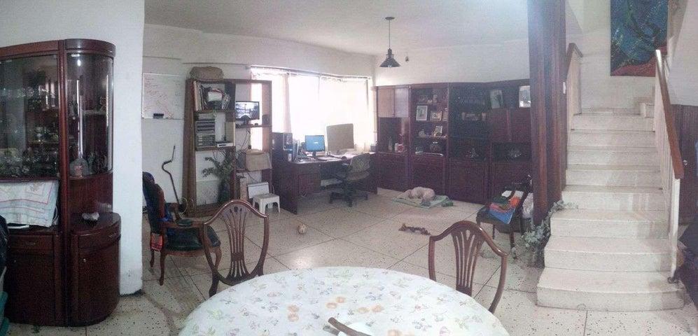 Local Comercial Distrito Metropolitano>Caracas>La California Norte - Venta:85.000 Precio Referencial - codigo: 19-4358