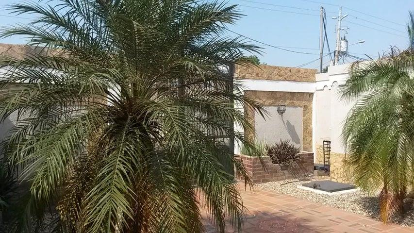 Casa Zulia>Maracaibo>La Victoria - Venta:25.000 Precio Referencial - codigo: 19-4372