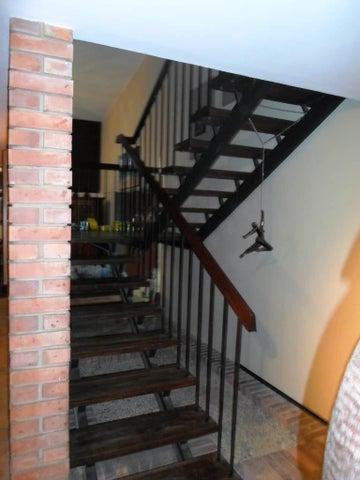 Casa Distrito Metropolitano>Caracas>La Floresta - Venta:535.000 Precio Referencial - codigo: 19-4390