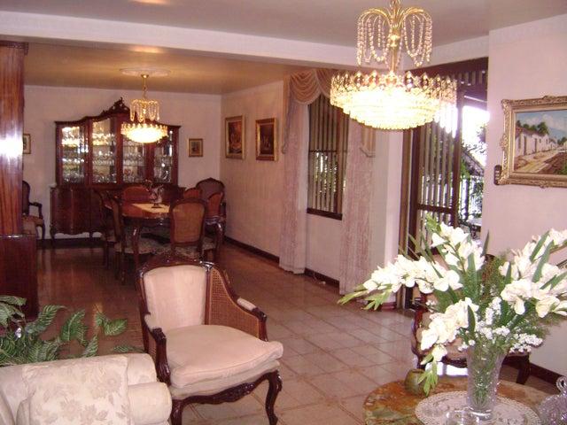 Casa Distrito Metropolitano>Caracas>Colinas de Bello Monte - Venta:1.450.000 Precio Referencial - codigo: 19-4418