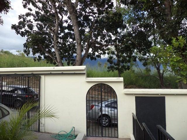 Casa Distrito Metropolitano>Caracas>Santa Fe Norte - Venta:500.000 Precio Referencial - codigo: 19-4494