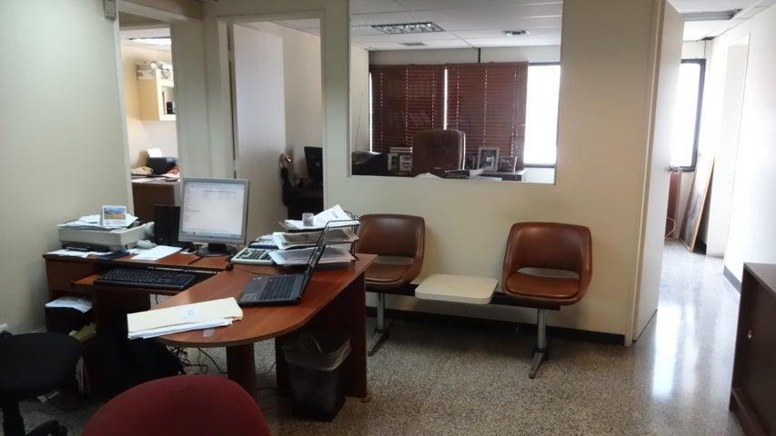 Oficina Distrito Metropolitano>Caracas>Sabana Grande - Venta:85.000 Precio Referencial - codigo: 19-4554