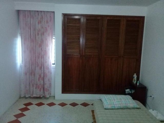 Casa Zulia>Maracaibo>Amparo - Venta:32.000 Precio Referencial - codigo: 19-4622