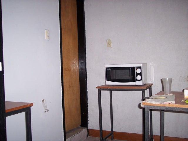 Local Comercial Aragua>Maracay>Calicanto - Alquiler:150 Precio Referencial - codigo: 19-4628