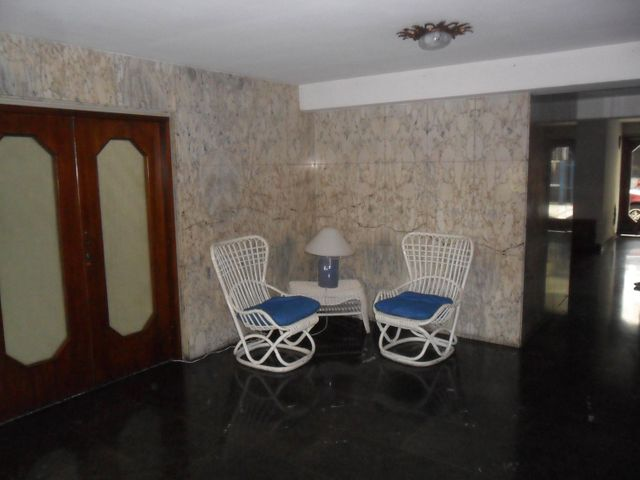 Apartamento Distrito Metropolitano>Caracas>Los Palos Grandes - Venta:80.000 Precio Referencial - codigo: 19-4642