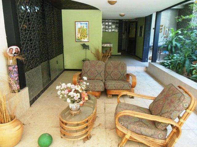 Casa Distrito Metropolitano>Caracas>Altamira - Venta:298.000 Precio Referencial - codigo: 19-4653