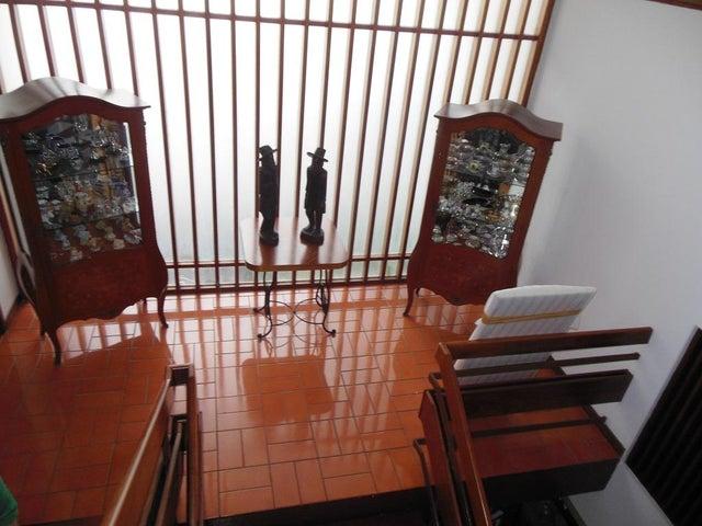 Casa Distrito Metropolitano>Caracas>El Marques - Venta:180.000 Precio Referencial - codigo: 19-4666