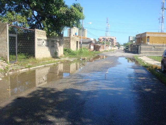 Casa Miranda>Higuerote>Higuerote - Venta:7.000 Precio Referencial - codigo: 19-4676