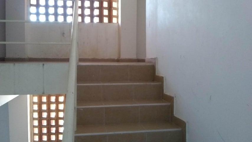 Apartamento Lara>Barquisimeto>Parroquia Santa Rosa - Venta:9.500 Precio Referencial - codigo: 19-4711