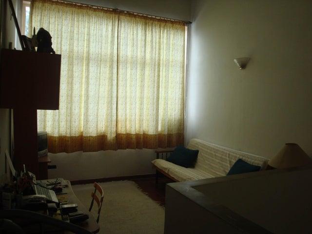 Townhouse Miranda>Guatire>El Castillejo - Venta:45.000 Precio Referencial - codigo: 19-4761