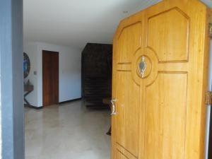 Casa Distrito Metropolitano>Caracas>Alto Hatillo - Venta:390.000 Precio Referencial - codigo: 19-4786