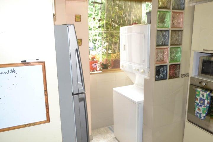 Apartamento Distrito Metropolitano>Caracas>La Boyera - Venta:65.000 Precio Referencial - codigo: 19-4846