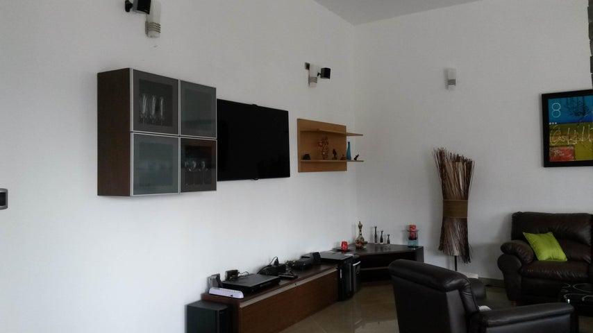 Casa Distrito Metropolitano>Caracas>Caicaguana - Venta:70.000 Precio Referencial - codigo: 19-4848