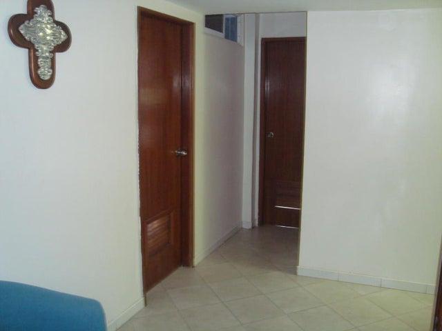 Townhouse Zulia>Ciudad Ojeda>La N - Venta:40.000 Precio Referencial - codigo: 19-3804
