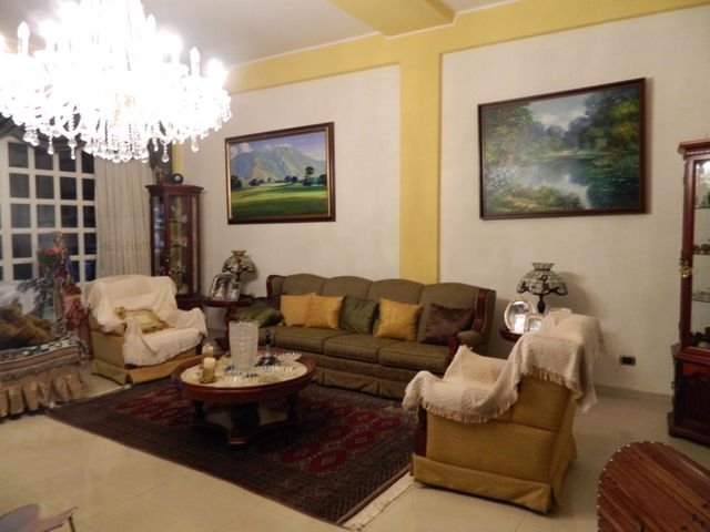 Casa Distrito Metropolitano>Caracas>Alto Prado - Venta:280.000 Precio Referencial - codigo: 19-4904